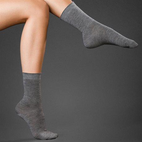 Falke Cashmere Ladies Socks Light Grey Melange